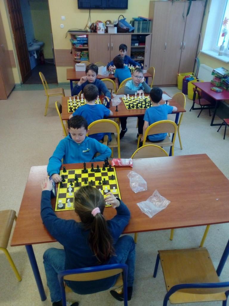 Szkolna Liga Szachowa była poświęcona Prawom Dziecka