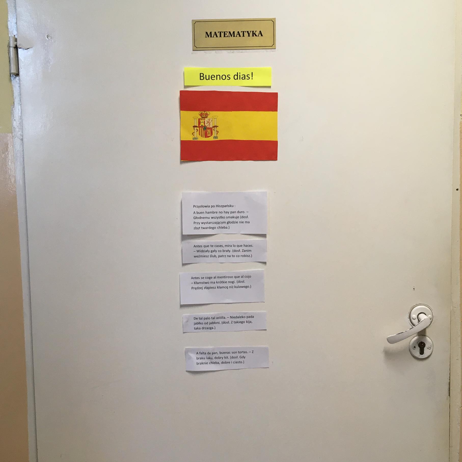 Uczniowie przygotowali projekt flagi i powitania w język hiszpańskim