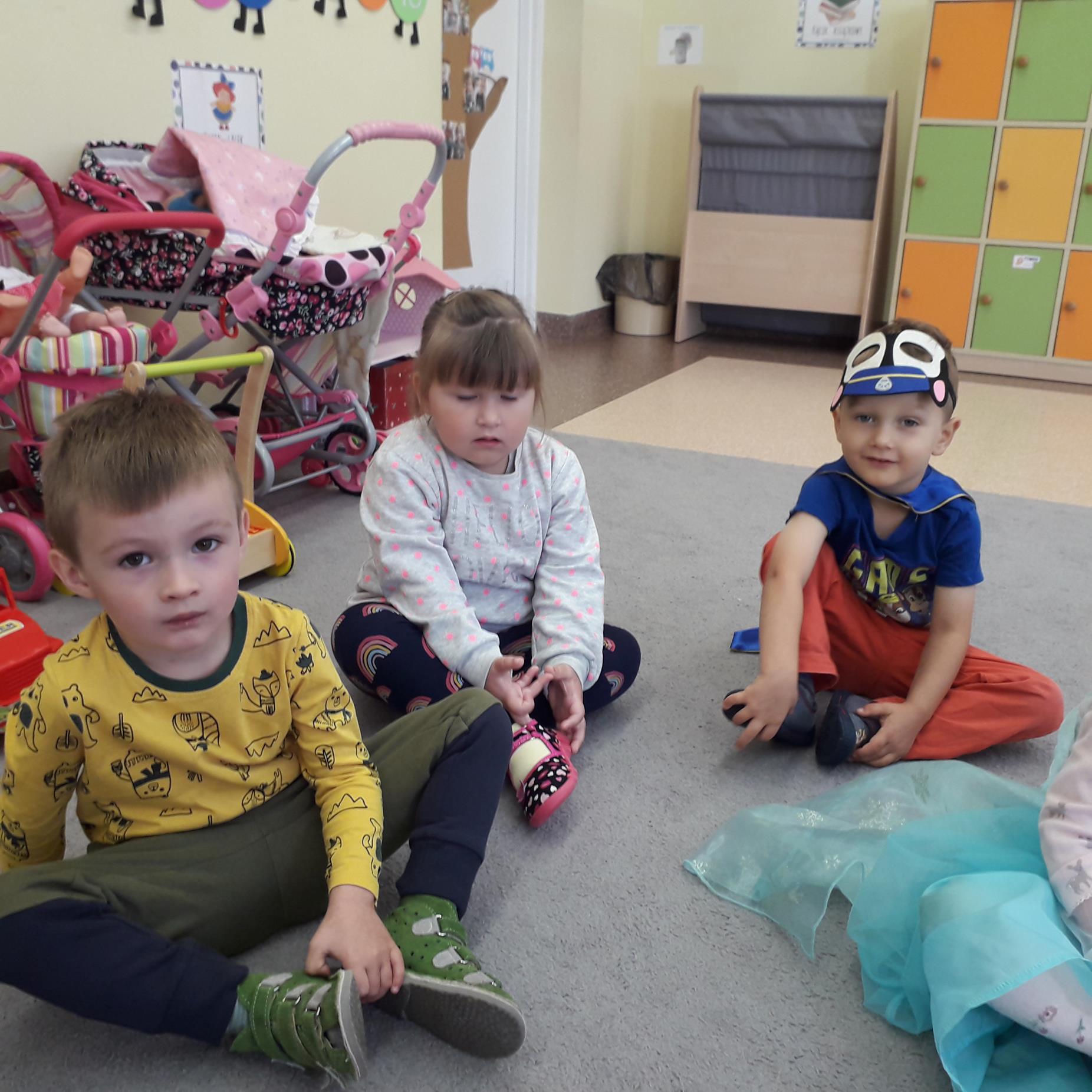 Przedszkolaki rozpoczynaja swoje święto