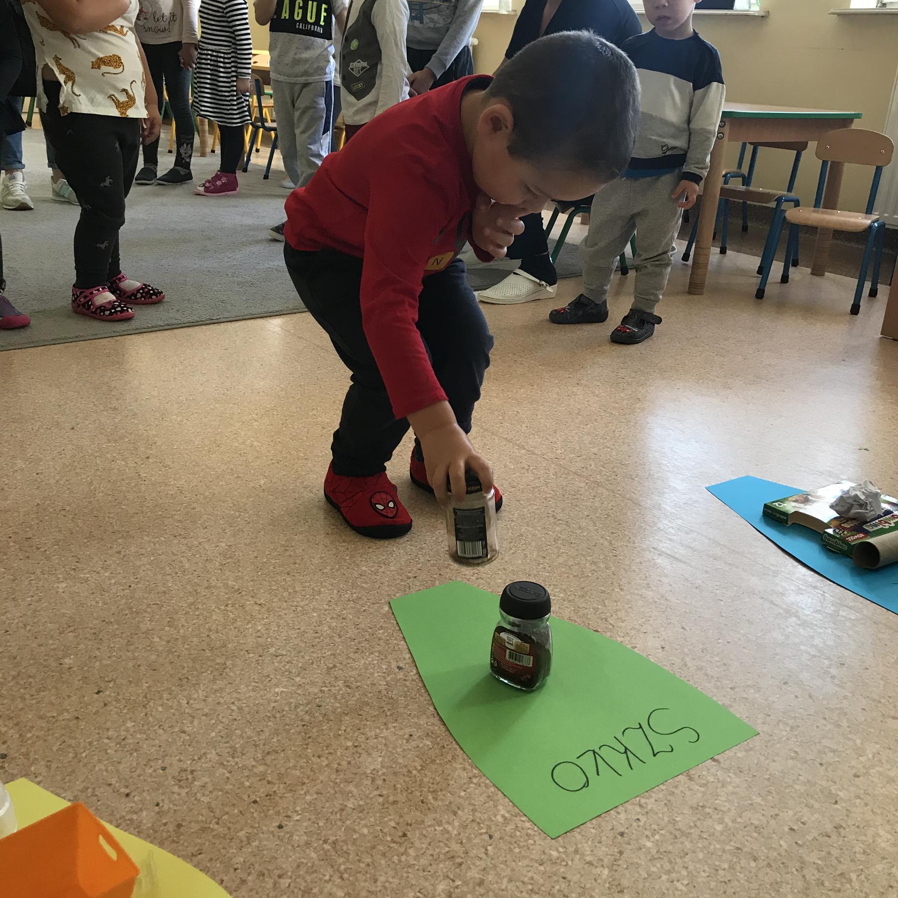 Zabawa edukacyjna - Segregujemy śmieci