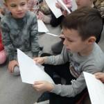 Przedszkolaki poznają alfabet Braille'a