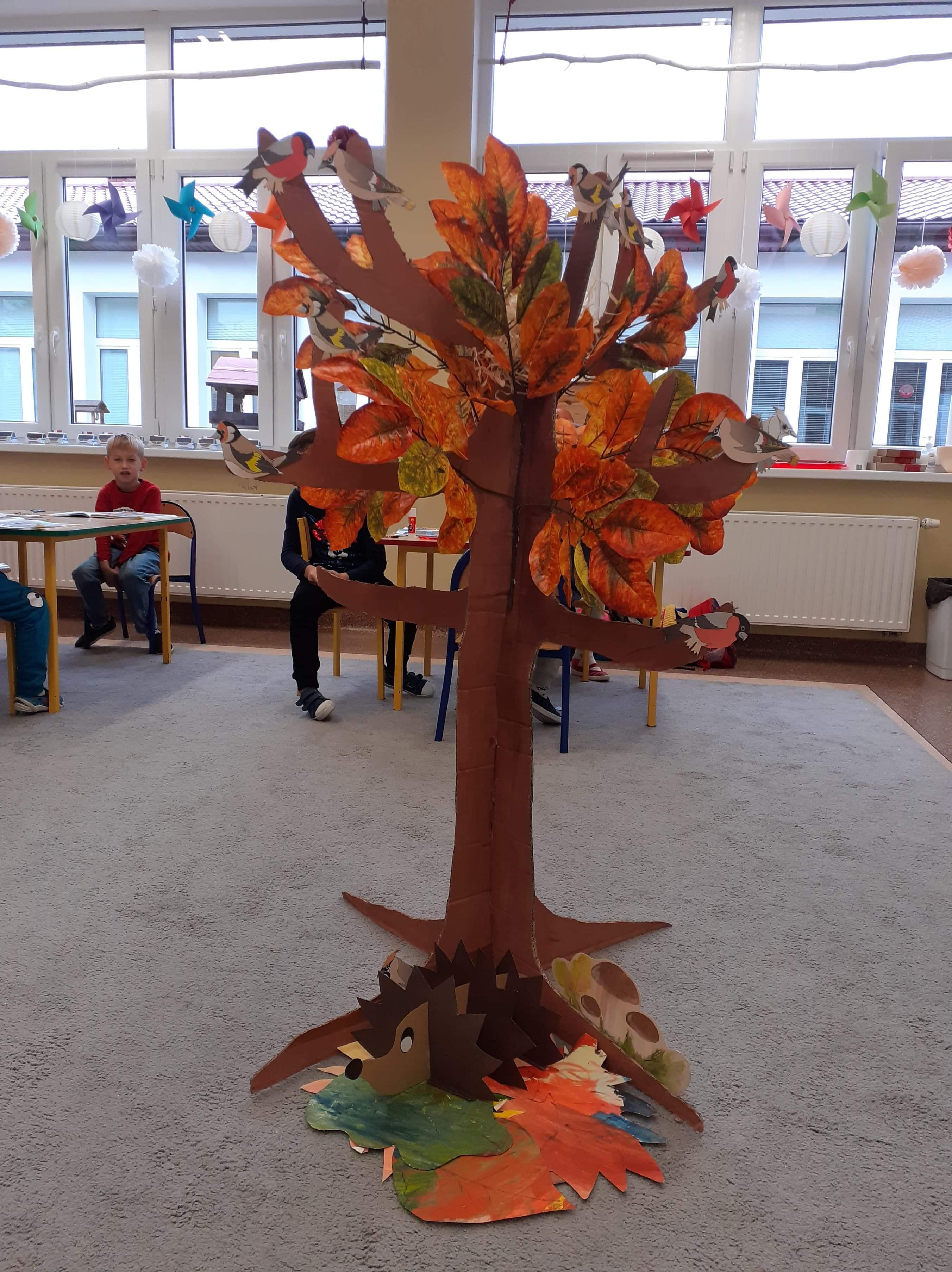 """Praca oddziału przedszkolnego """"Drzewo schronieniem dla zwierząt"""